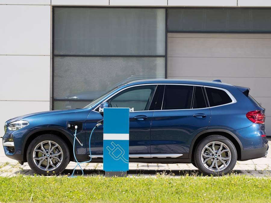 Wallbox, Ladekabel, Mobiles Ladegerät und Ladestation passend für den BMW X3 xDrive30e